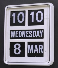 Homeloo are now provide wall clock repair service for quartz wall clock in Hong Kong. Clock Repair, Black Clocks, Time Is Money, Large Clock, Digital Wall, Flip Clock, King Size, Cool Furniture, Frases