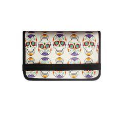 Cartera de polipiel con estampado propio de Calavera Mejicana. Ilustración de Sandora Neko y diseño de estampado de Arethaju. Con varios compartimentos para tarjetas, billetes, monedero con cremallera y cierre con elástico. Muy práctica y cómoda. Dos tamaños. http://www.arethaju.net/inicio/bolsitas-carteras-y-cinturones/carteras/ Cartera: 11x16 cm. #cartera, #calaveramejicana, #skull, #estampadopropio, @sandoraneko, #arethaju, # Cartera XL: 11x20 cm. Elige estampado o piel a tu gusto.