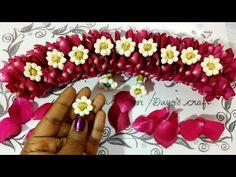 Version- 2 🌹 Petals with Jasmine Jadai venni making Flower Garland Wedding, Bridal Hair Flowers, Paper Flower Garlands, Wedding Flowers, How To Make Garland, Garland Making, Flower Hair Accessories, Flower Jewelry, Floral Hair