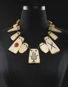 alxander calder, BONEY necklace, 1947., bone, acrylic and silver wire