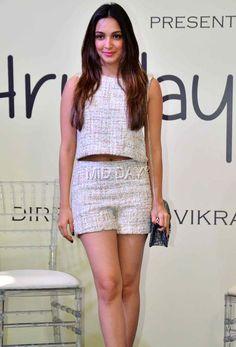 Kiara Advani at the mahurat of Vikram Phadnis' debut film Hrudayantar in Mumbai. Bollywood Outfits, Bollywood Photos, Bollywood Girls, Indian Bollywood, Bollywood Celebrities, Bollywood Fashion, Beautiful Bollywood Actress, Most Beautiful Indian Actress, Beautiful Actresses