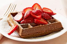 Take one bite of strawberry-topped Chocolate Belgian Waffles you're transported to a French bistro. These Chocolate Belgian Waffles are moist and rich. Kraft Foods, Kraft Recipes, Chocolate Pie With Pudding, Chocolate Waffles, Breakfast Recipes, Dessert Recipes, Desserts, Breakfast Dishes, Egg Recipes