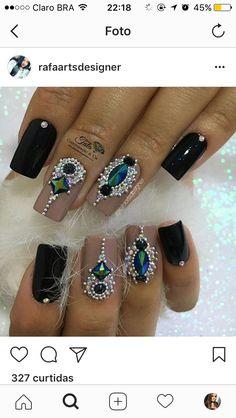 Omg 😍😍 I love em Rhinestone Nails, Bling Nails, Glamour Nails, Nail Candy, Diamond Nails, Hair Skin Nails, Dope Nails, Nail Games, Fabulous Nails
