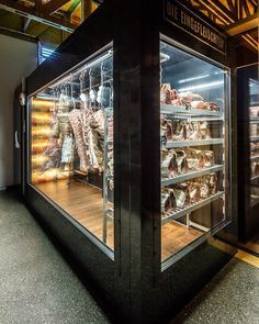 48 Ideas Meat Store Design Kitchens For 2019 Meat Restaurant, Restaurant Design, Butcher Store, Carnicerias Ideas, Meat Love, Dry Aged Beef, Meat Shop, Meat Platter, Meat Markets