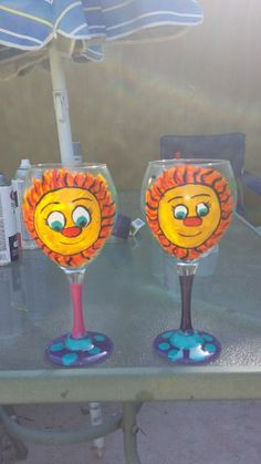 SUNSHINE WINE GLASSES FOR MY COMADRES!! BECUZ THEY ARE MY SUNSHINE!!