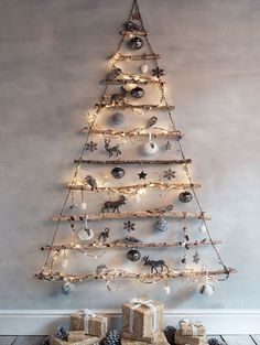HOME DZINE Craft Ideas | Make a wall mounted christmas tree with LED fairy lights