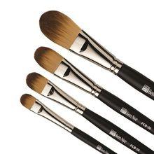 Ben Nye Makeup Brush - Foundation & Contour