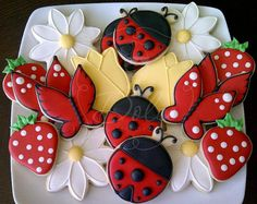 Lady Bug / Garden Party Cookies por DolceCustomCookies en Etsy