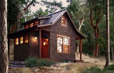 This charming micro cabin in the woods was built by David Vandervort Architects and features an alco... - David Vandervort Architects
