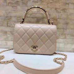 2017 Chanel Cruise Collection for Fashion Women. Chanel Carry Chic Bag A93794. #Chanel  #Top #Handle Bag.