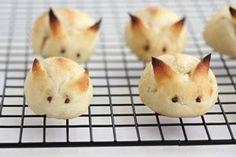 Bunny Buns! http://www.yummly.com/recipe/Sour-Cream-Bunny-Buns-Arandano