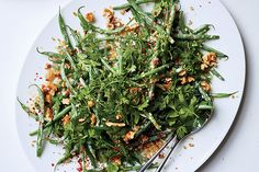 Haricots Verts and Freekeh with Minty Tahini Dressing - by Yotam Ottolenghi Bean Salad Recipes, Green Bean Recipes, Veggie Recipes, Vegetarian Recipes, Healthy Recipes, Beans Recipes, Alkaline Recipes, Yotam Ottolenghi, Chefs