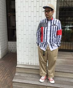 クレイジーパターン カラー感のある遊びの効いたスニーカーにパンチのあるアソートシャツ。 このシーズンだからこそ一度はやってみたい、遊び心溢れる大人のスタイリング。
