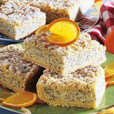 Ein raffinierter Kuchen mit saftigem Belag aus Grieß, Mohn und Quark, der zu jeder Jahreszeit schmeckt. Kuchen vom Blech eignen sich ideal für Gäste oder zum Mitnehmen....