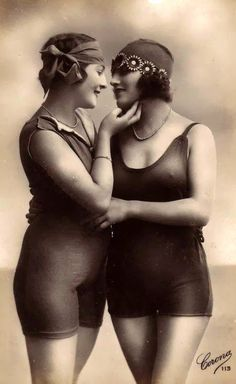 Vintage photos of gay couples. Pretty amazing that these even exist!