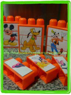 Reciclar juguetes es algo que suele encantar a los niños. Imprimiendo, recortando y pegando sus dibujos preferidos, conseguimos darle otra vida a los bloques de construcciones.