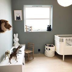 En dempet og sval mintaktig tone Teal, Home Decor, Decoration Home, Room Decor, Home Interior Design, Home Decoration, Turquoise, Interior Design
