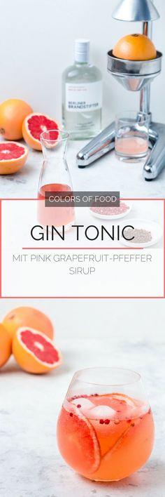 Hier findest du das Rezept für einen blumig-fruchtigen Gin Tonic mit getrockneten Pink Grapefruit-Campari Rädern und einem aromatischen Pfeffer Sirup.