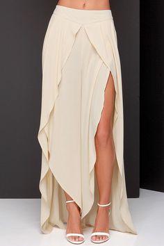 Beige High-Waisted Asymmetrical Chiffon Skirt from Ashbury Collections. Saved to Skirts. Chiffon Skirt, Dress Skirt, Dress Up, Slit Skirt, Mini Skirt, Diy Fashion, Fashion Outfits, Fashion Design, Estilo Hippie