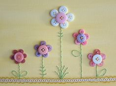 Button crafts - flower crafts with buttons Button Canvas, Button Art, Button Crafts, Hand Embroidery Designs, Embroidery Stitches, Embroidery Patterns, Sewing Patterns, Diy Buttons, Crafts With Buttons