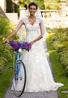 Romantic and Vintage. David's Bridal T3299