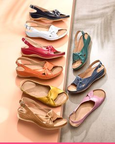 Sandaler i herlige farger fra Natürlaufer hos KLiNGEL Lace Up, Flats, Shoes, Ideas, Fashion, Cute Flats, Home, Damask, Loafers & Slip Ons