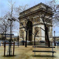 #arcdetriomphe #paris #parisjetaime #myparis #париж #франция #visitparis #instaparis #travel #tourism #beautifuldestinations #milenaguideparis #loveparis