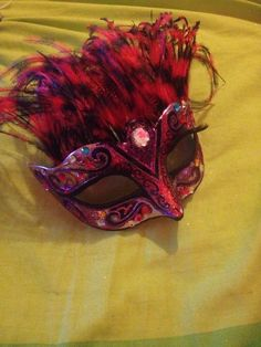 a chazzed up mask, i pimped this mask with glitter