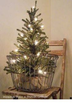 Vintage Decor Rustic Incredible Rustic Farmhouse Christmas Decoration Ideas 09 - The correct plants will continue to keep a little pond clean. Remember farmhouse is all about keeping it simple! Christmas Porch, Prim Christmas, Farmhouse Christmas Decor, Outdoor Christmas, Winter Christmas, French Christmas, Christmas Tree In Basket, Christmas Movies, Vintage Christmas Decorating