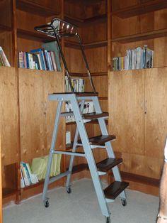 escalera para biblioteca
