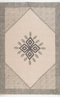 Wheatley JS01 Tribal Clover Medallion Calico Tassel Rug