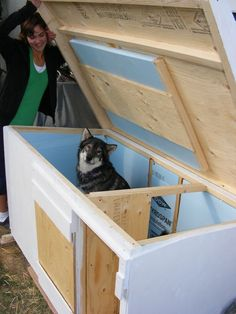 insulated dog house plans - Google Search Heated Dog House, Insulated Dog House, Pallet Dog House, Build A Dog House, Large Dog House Plans, House Dog, Kids House, Positive Dog Training, Training Your Puppy