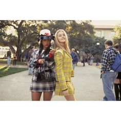 Honoring Clueless's Iconic Style ❤ liked on Polyvore featuring clueless, other, people, pictures и yellow