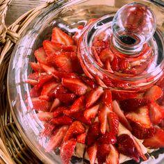 いちごのタルト 久美浜産の苺をたっぷり使い、 軽めのカスタードクリームと合わせた、ぜったいのデザート♪