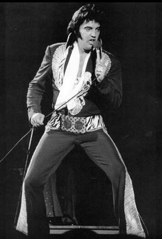 Elvis live in Huntsville Alabama may 30th 1975