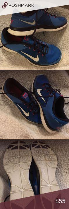 Nike sz 11.5 Blue & Pink athletic shoes Like New! Used lightly. EUC Nike Shoes Athletic Shoes