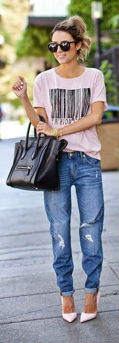 Fashion Code Tee with Target Slim Boyfriend Jeans and Pale Pink Heels / Hello Fashion