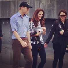 4/11/14 William & Kate at Auckland harbour in New Zealand.