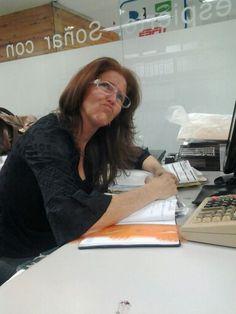 En el escritorio de Laura