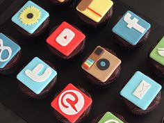 Can't Wait for the iPhone 6 and Apple Watch? Make These App-Themed Cupcakes http://greatideas.people.com/2014/09/09/apple-iphone-6-plus-cupcakes/