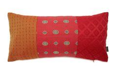 クラベットの贅沢な厚地ファブリックが美しい赤系ヴィンテージ クッション #cushion #cushioncover #クッション #クッションカバー #ヴィンテージ #アンティーク #vintage