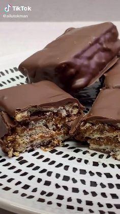 Fun Baking Recipes, Dessert Recipes, Brownie Recipe Video, Delicious Desserts, Yummy Food, Deli Food, Rainbow Food, Food Tasting, Pumpkin Recipes