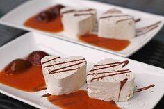 Mousse de ciruela y canela con mascarpone de cschoenbrodt Mini Desserts, Winter Desserts, Christmas Desserts, Easy Desserts, Cinnamon Desserts, Healthy Desserts, Buffet Dessert, Dessert For Dinner, Dessert Simple