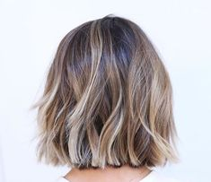 Short Hair Color Trends Short hair color trends 2019 are the perfect platf. - - Short Hair Color Trends Short hair color trends 2019 are the perfect platform for balayage! Short Hair Cuts, Short Hair Styles, Pixie Cuts, Short Pixie, Short Hair Designs, Short Hair Trends, Bob Styles, Blunt Bob Hairstyles, Cut Hairstyles