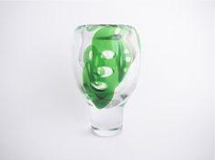 Vicke Lindstrand Art Glass Vase  1stDesign-1966 Design : Vicke Lindstrand Product : Kosta  http://femtrenoll.com/archives/5951