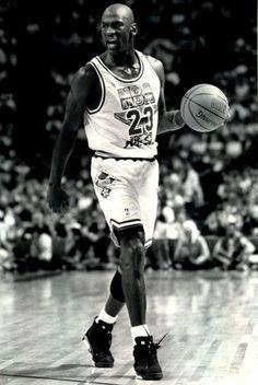 Michael Jordan wearing the Air Jordan VI 6 in the All Star Game.