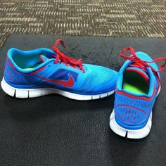 ed0c99977d1f Nike Flyknit Chukka Pink and blue Nike Flyknit Chukka with reflective  laces! Very nice condition