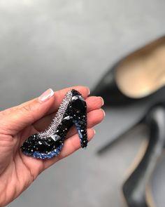 328 отметок «Нравится», 8 комментариев — Украшения ручной работы (@alina_zlobina_) в Instagram: «Брошь туфля для @boiko_tatyana1206 Девочки, я постараюсь выполнить все ваши пожелания …»