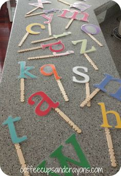 Lowercase Letter Alphabet Puppets - great to use with Chicka Chicka Boom Boom Preschool Letters, Kindergarten Literacy, Preschool Classroom, Classroom Ideas, Classroom Charts, Preschool Themes, Early Literacy, Teaching The Alphabet, Learning Letters