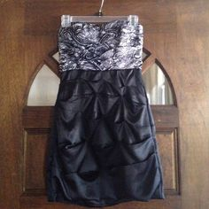 Dressy tube top dress. XOXO brand. Size 5/6 good condition. Super cute. No flaws. XOXO Dresses